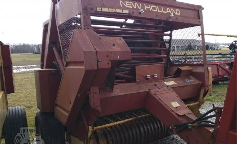 1980 New Holland 851
