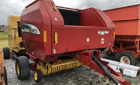 2005 New Holland BR770A